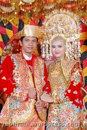 Pesta adat banjar), kami sekeluarga mengadakan upacara pernikahan